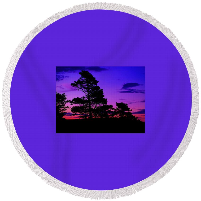 Sunrise Round Beach Towel featuring the photograph Sunrise At Point Pleasant Park by Laura Regier