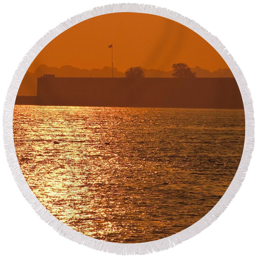 Sunrise Round Beach Towel featuring the photograph Sunrise Ft Adams by Steven Natanson