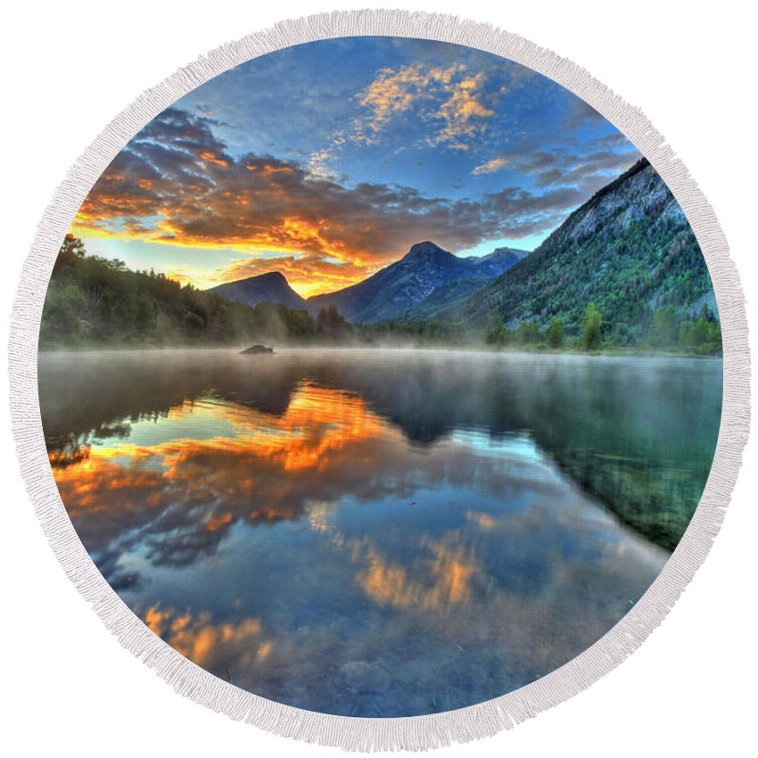 Colorado Round Beach Towel featuring the photograph Sunrise Lake by Scott Mahon