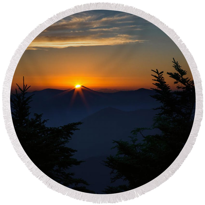 Smoky Mountain Sunrise Round Beach Towel featuring the photograph Sunrise Myrtle Point by Jemmy Archer