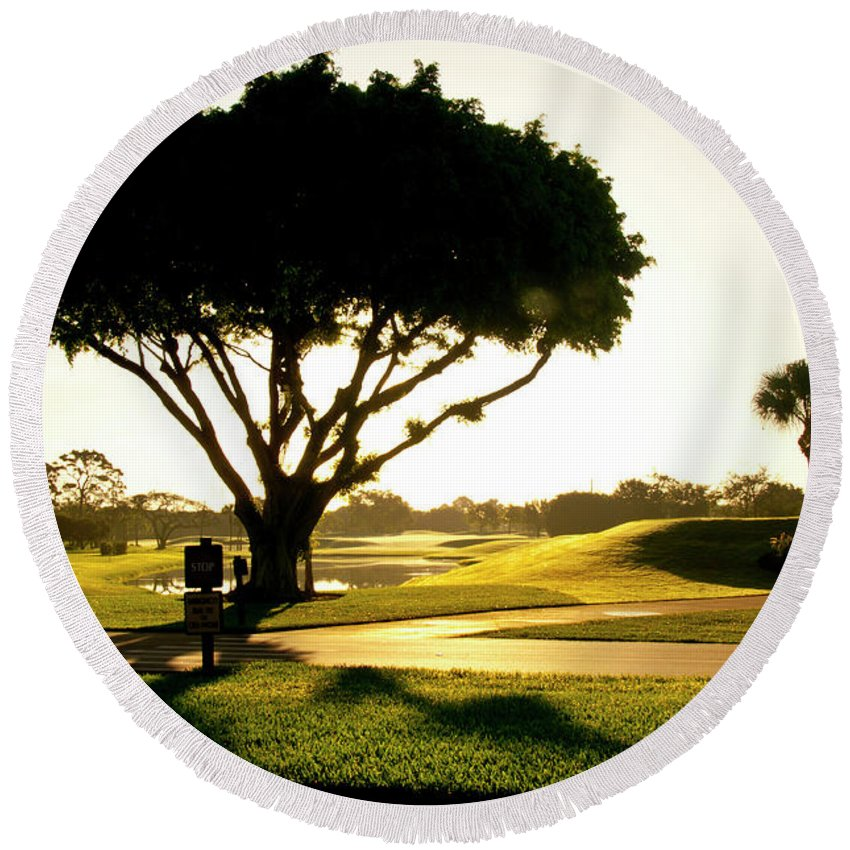 Landscape Round Beach Towel featuring the photograph Sunrise On A Golf Course by Stan Roban