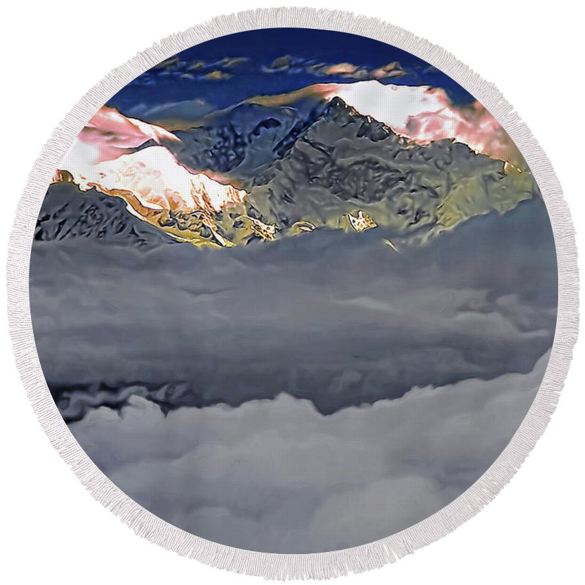 Darjeeling Round Beach Towel featuring the photograph Sunrise On Kanchenjunga by Steve Harrington