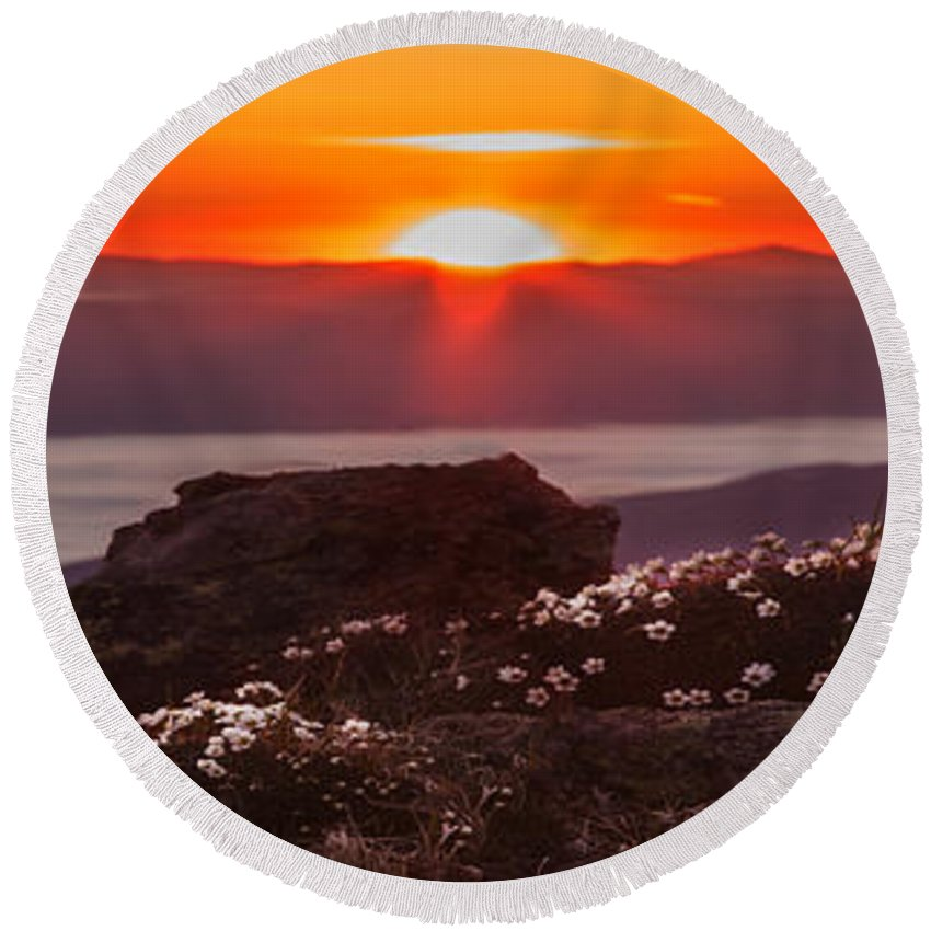 Sunrise Round Beach Towel featuring the photograph Sunrise On Mount Clay 2 by Chris Whiton