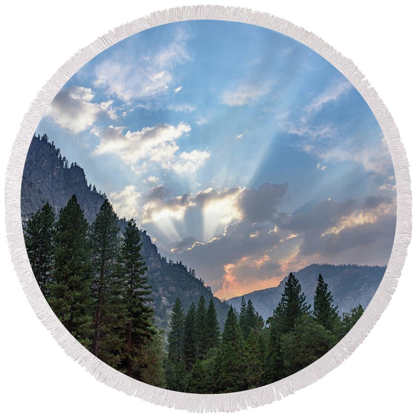 Sierra Nevada Round Beach Towel featuring the photograph Sunset 1 Yosemite by Jeffrey Hubbard
