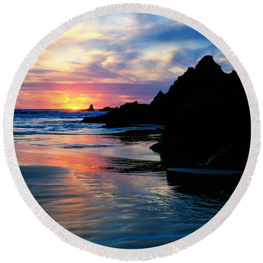 Photography Round Beach Towel featuring the photograph Sunset And Clouds Over Crescent Beach by Panoramic Images