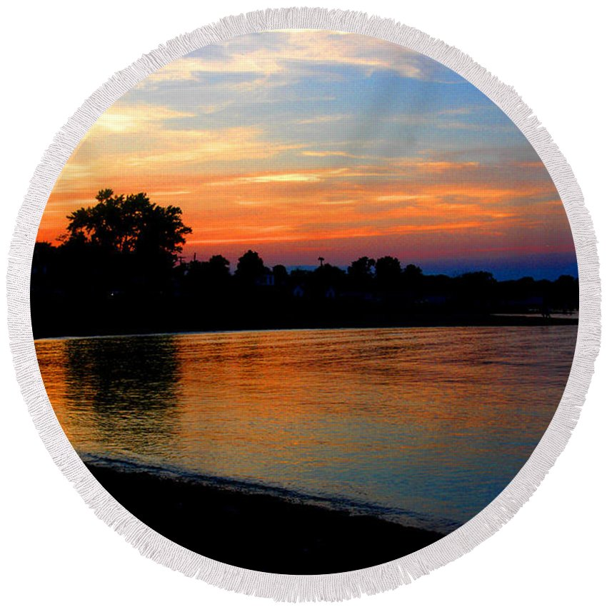Clay Round Beach Towel featuring the photograph Sunset At Colonial Beach Cove by Clayton Bruster