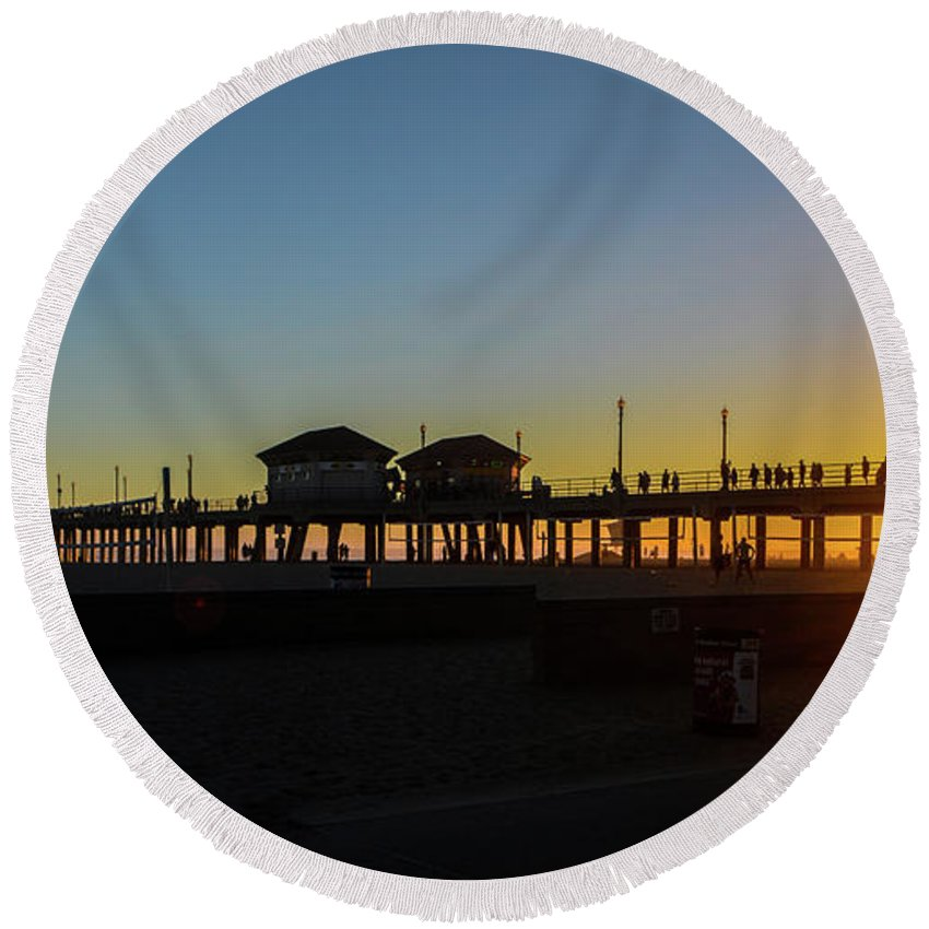 2014 Round Beach Towel featuring the photograph Sunset At Huntington Beach by Tommy Anderson