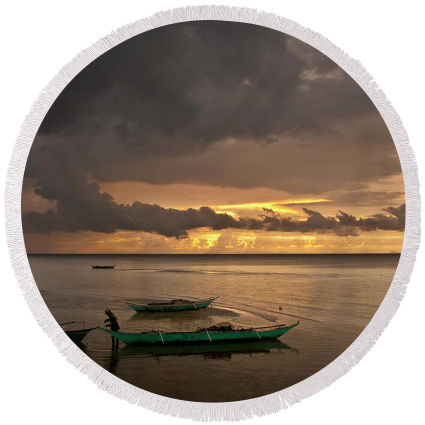 Seascape Round Beach Towel featuring the photograph Sunset At Tabuena Beach 1 by George Cabig