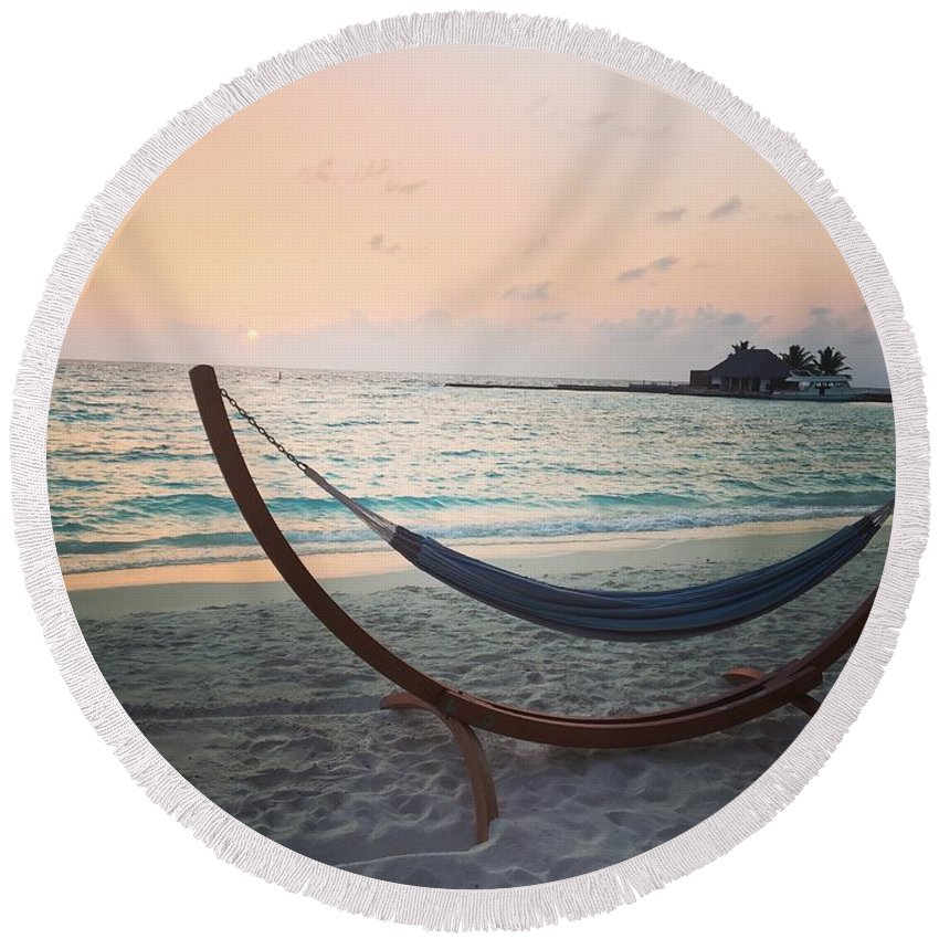 Maldives Round Beach Towel featuring the photograph Sunset At The Beach by Purva Arvindekar