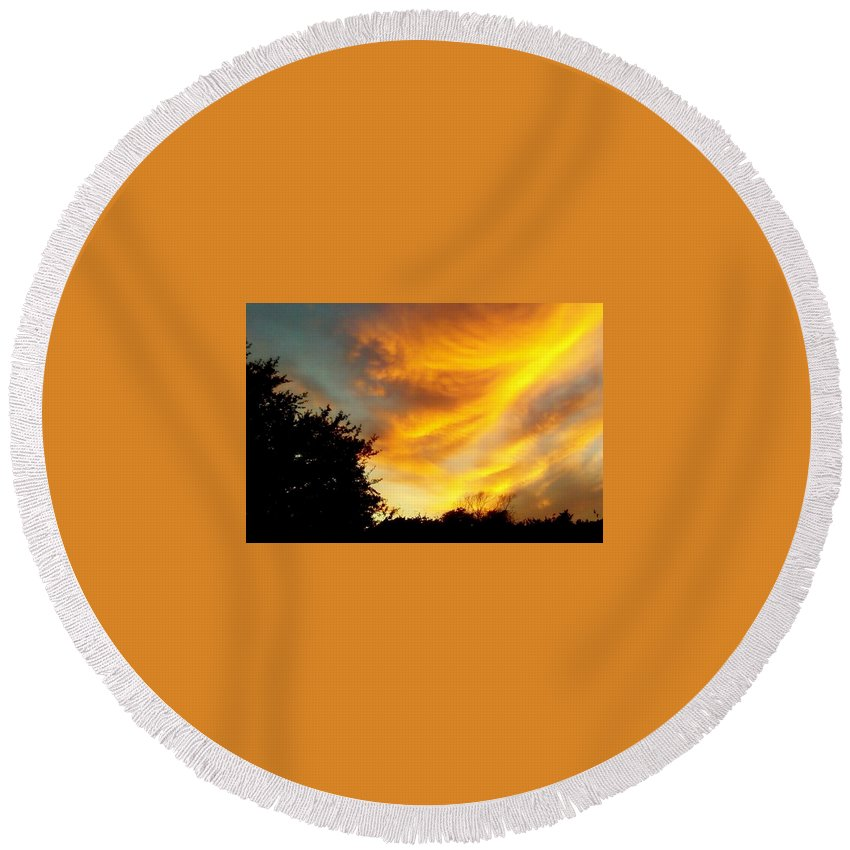 Sunset Round Beach Towel featuring the photograph Sunset by Cindy New