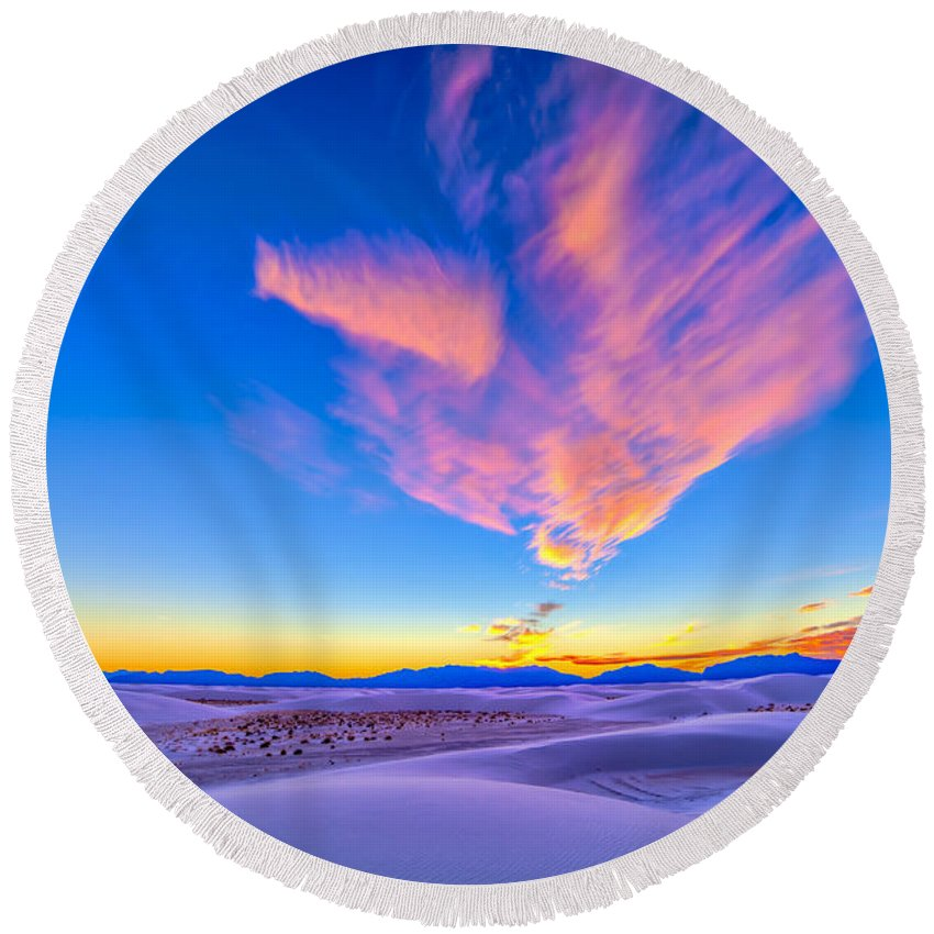 High Dynamic Range Round Beach Towel featuring the photograph Sunset Colors Over White Sands National by Alan Dyer