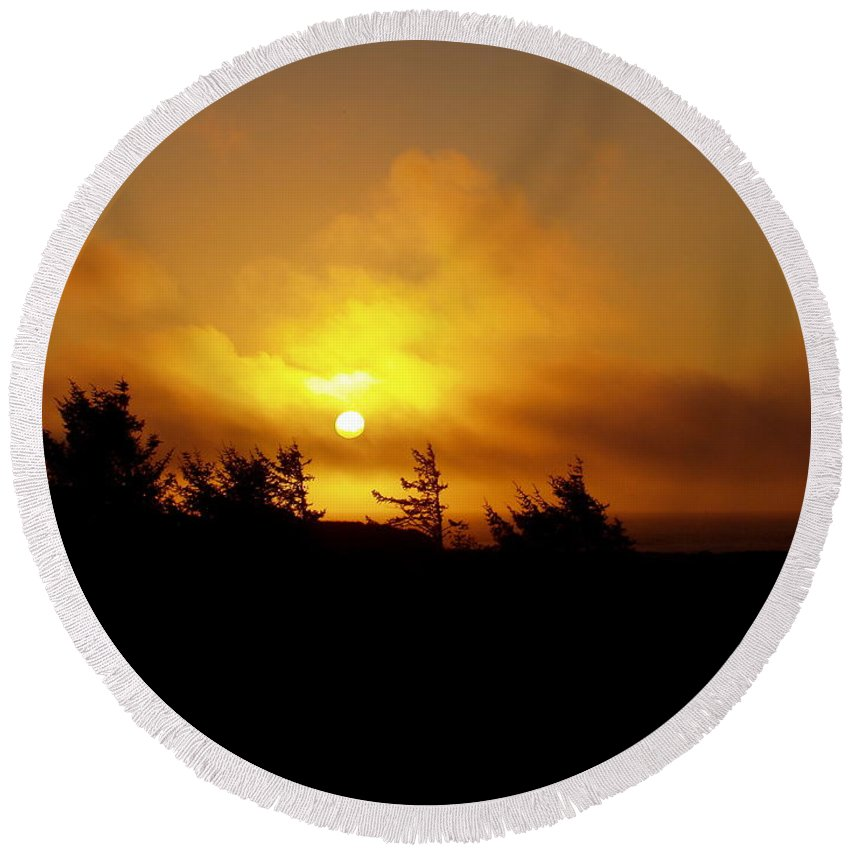 Sunset Round Beach Towel featuring the photograph Sunset by Deborah Crew-Johnson