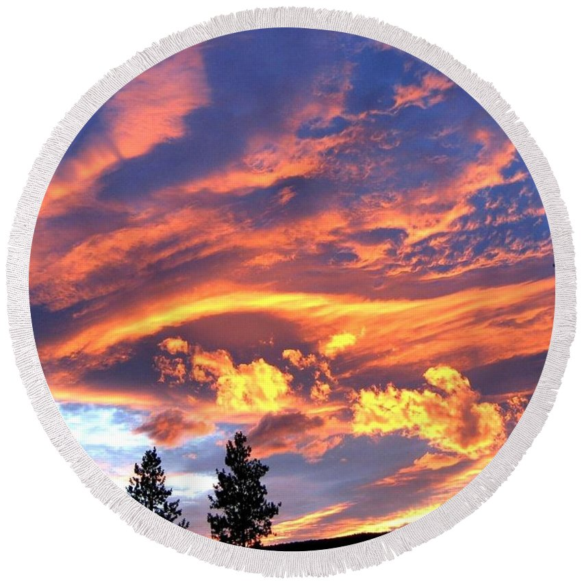Sunset Round Beach Towel featuring the photograph Sunset Extravaganza by Will Borden