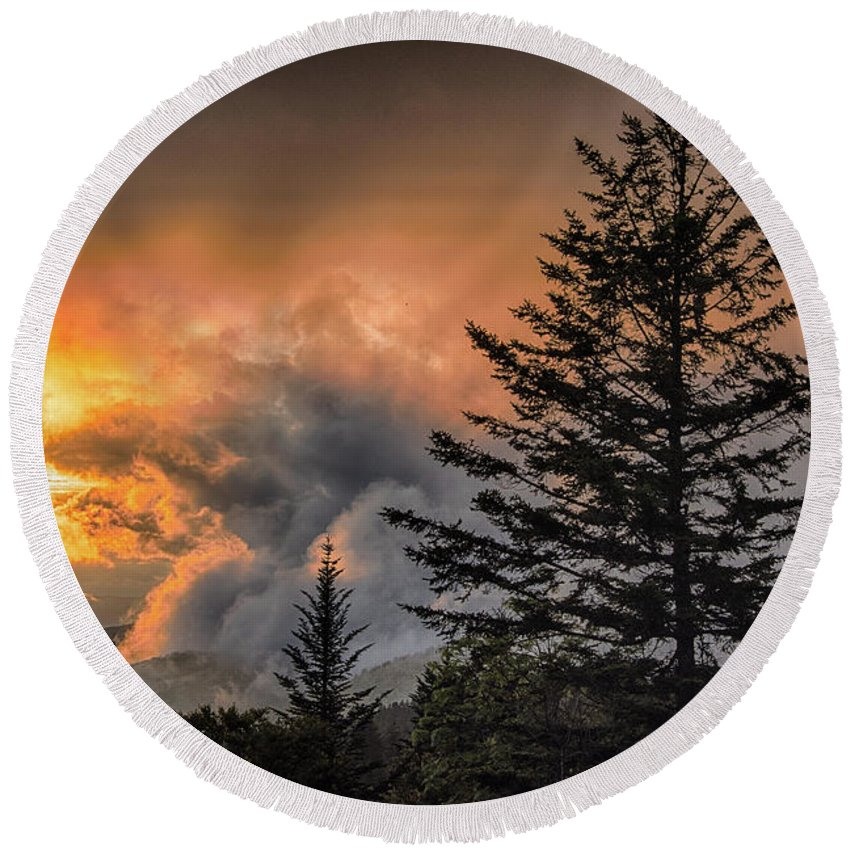 Blue Ridge Parkway Round Beach Towel featuring the photograph Sunset Fire by Barbara Hayton