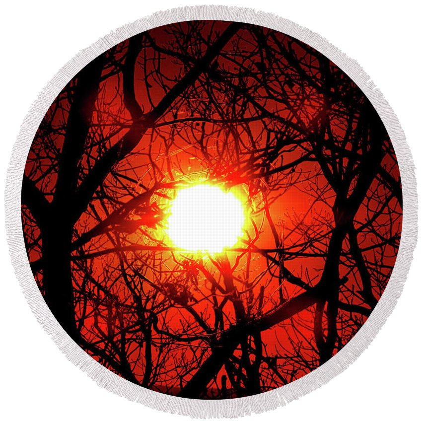 Sunset Round Beach Towel featuring the photograph Sunset In Virginia by Don Gronczewski