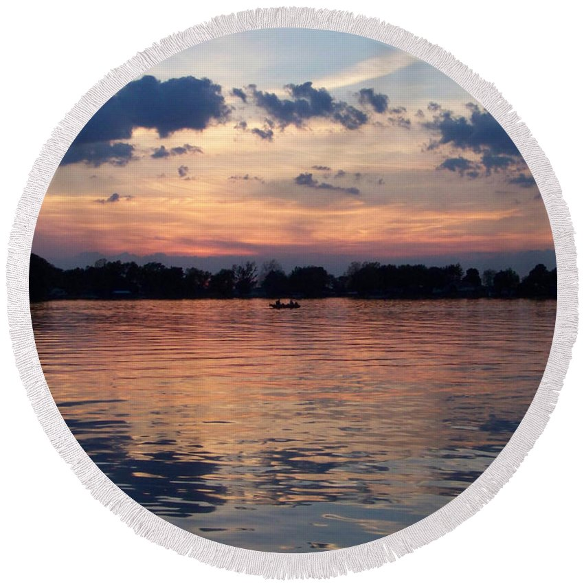 Lake Round Beach Towel featuring the photograph Sunset On Lake Mattoon by Kathy McClure