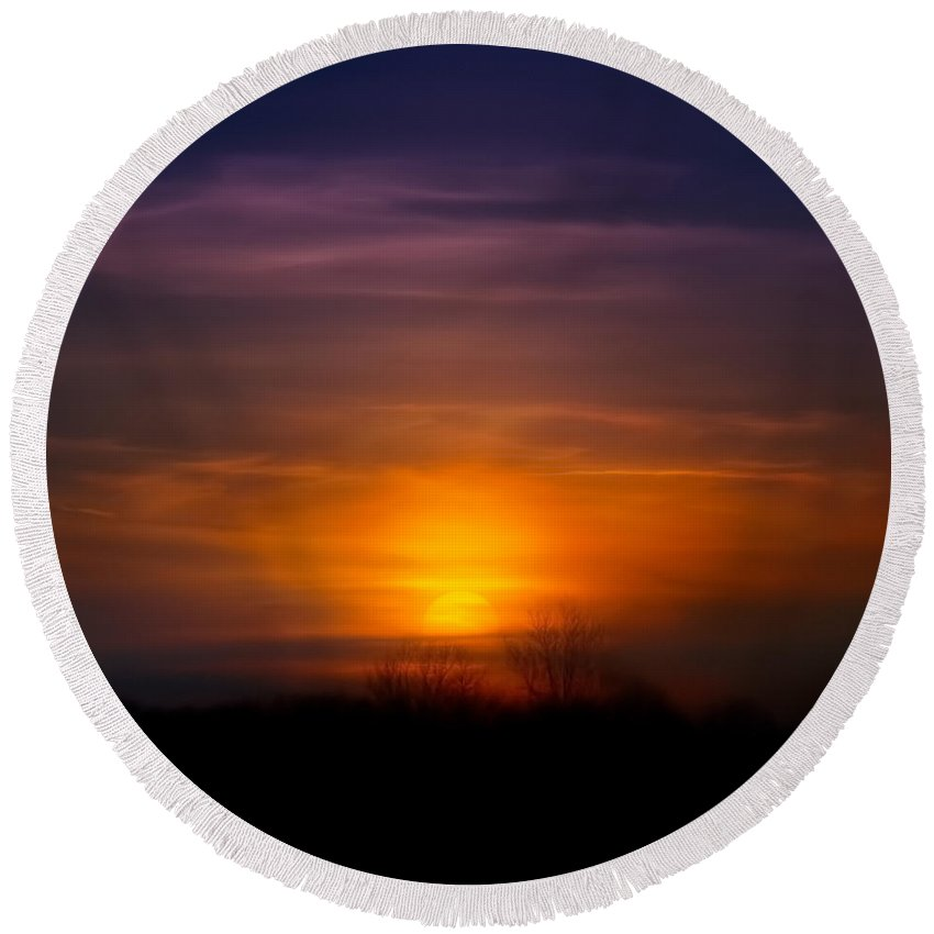 Sunset Round Beach Towel featuring the photograph Sunset Over Scuppernong Springs by Scott Norris