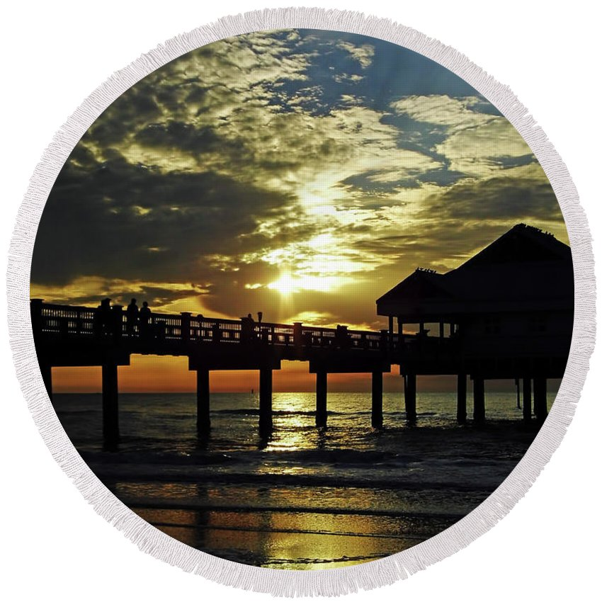 Sunset Round Beach Towel featuring the photograph Sunset Pier Reflection by D Hackett