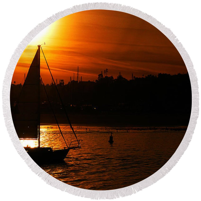Clay Round Beach Towel featuring the photograph Sunset Sailing by Clayton Bruster