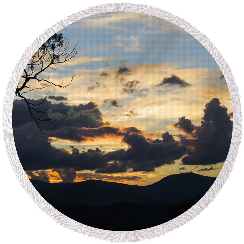 Cooleman Ridge Round Beach Towel featuring the photograph Sunset Study 4 by Angela DeFrias