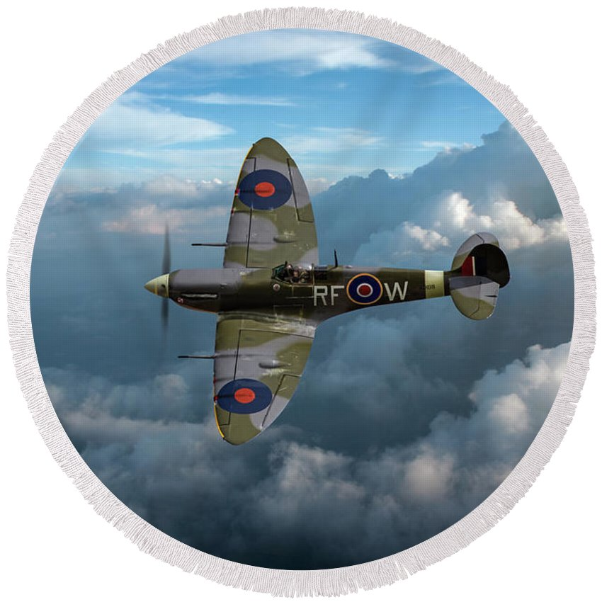 Spitfire Round Beach Towel featuring the photograph Supermarine Spitfire Vb by Gary Eason