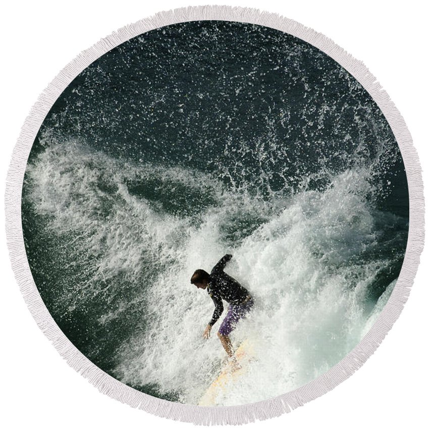 Surf Round Beach Towel featuring the photograph Surfing Hawaii 4 by Bob Christopher