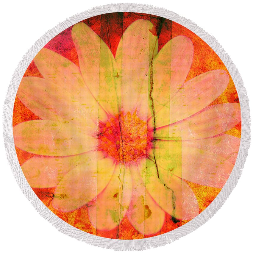 Flower Round Beach Towel featuring the photograph Surprise Me by Susanne Van Hulst