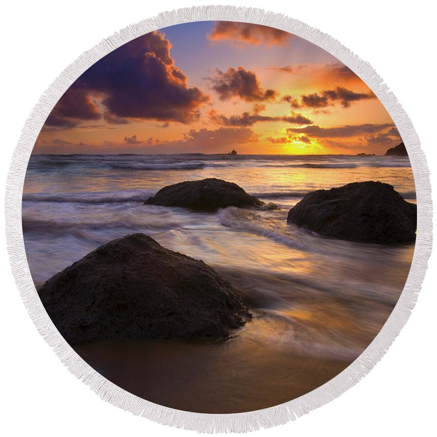 Sunset Round Beach Towel featuring the photograph Surrounded By The Sea by Mike Dawson