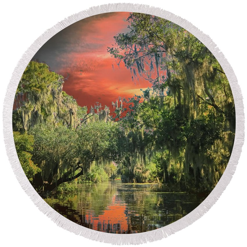 Louisiana Swamp Round Beach Towel featuring the photograph Swamp 1 by Larry White