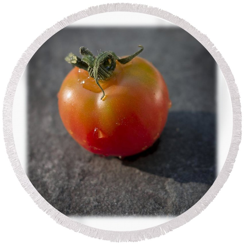 Tomato Round Beach Towel featuring the photograph Sweet 100 T by David Stone