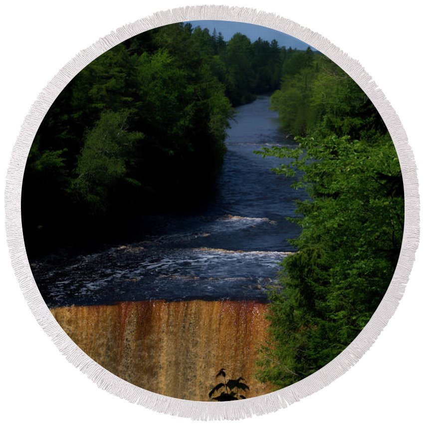 Tahquamenon Falls State Park Round Beach Towel featuring the photograph Tahquamenon Lower Falls Upper Peninsula Michigan Vertical 07 by Thomas Woolworth