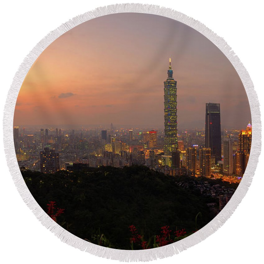 Cityscape Round Beach Towel featuring the photograph Taipei 101, Taiwan by Jos Pannekoek