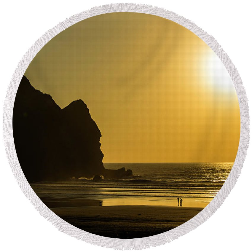 Taitomo Island Round Beach Towel featuring the photograph Taitomo Island Sunset by Photopoint Art