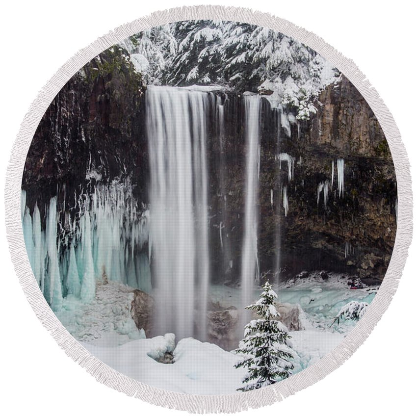 Mt. Hood Round Beach Towel featuring the photograph Tamanawas Falls 1 by Patricia Babbitt
