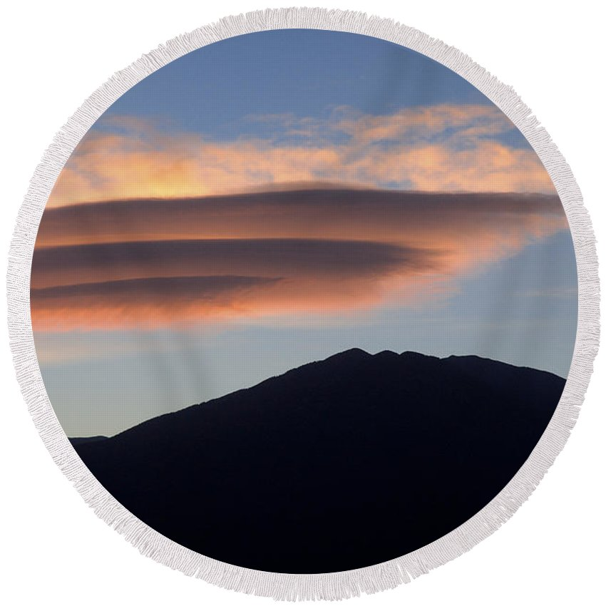Taos Round Beach Towel featuring the photograph Taos Sunset by Jerry McElroy