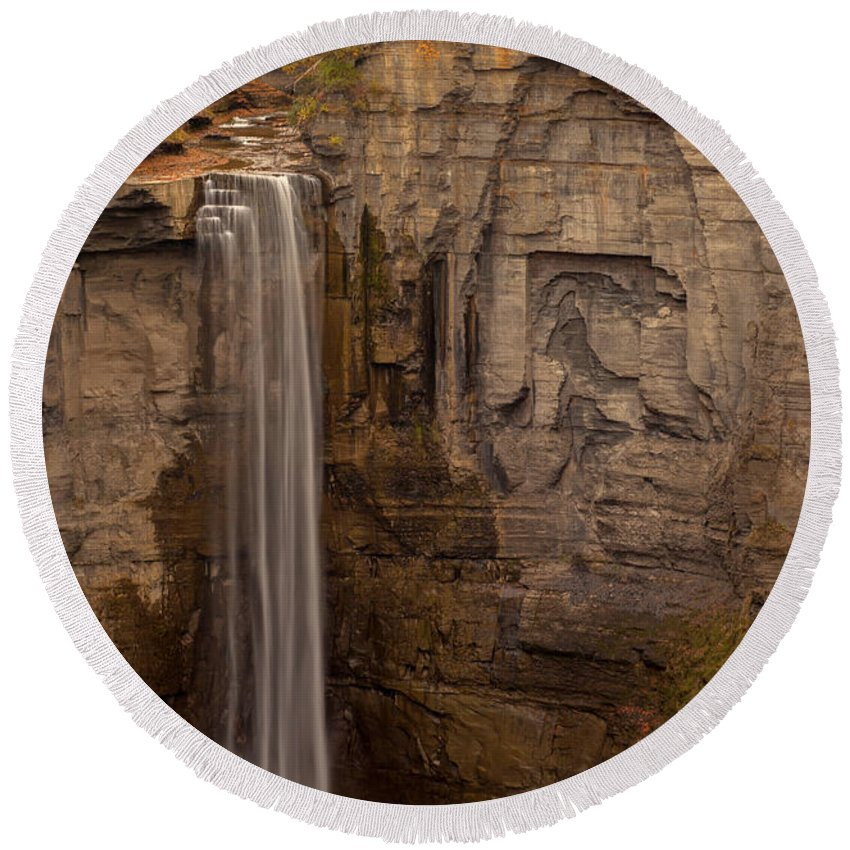Taughannock Falls Prints Round Beach Towel featuring the photograph Taughannock Ten by J Allen
