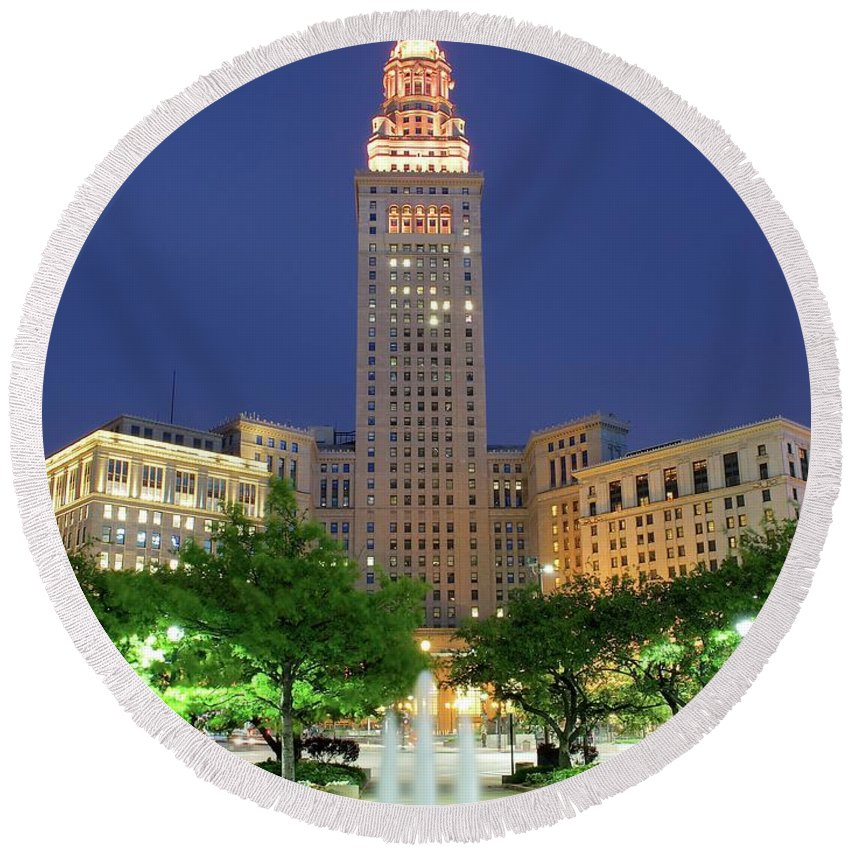 Cleveland Round Beach Towel featuring the photograph Terminal Tower by Frozen in Time Fine Art Photography