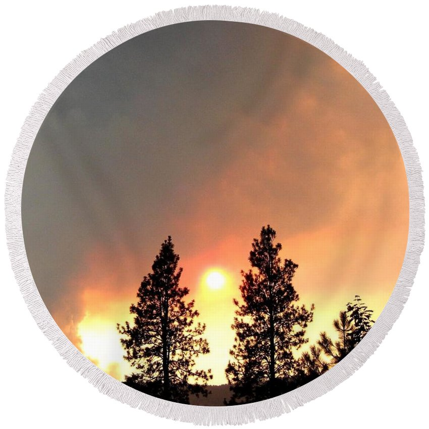Forest Fire Round Beach Towel featuring the photograph Terrace Mountain Fire 2 by Will Borden