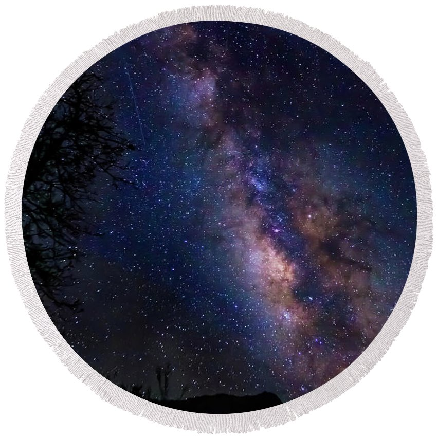 Milky Way Round Beach Towel featuring the photograph Texas Stars 4665 by Karen Celella