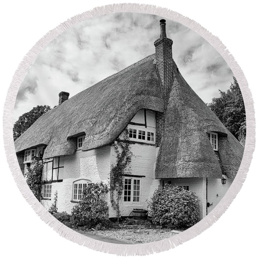 Cottage Round Beach Towel featuring the photograph Thatched Cottages Of Hampshire 17 by Shirley Mitchell