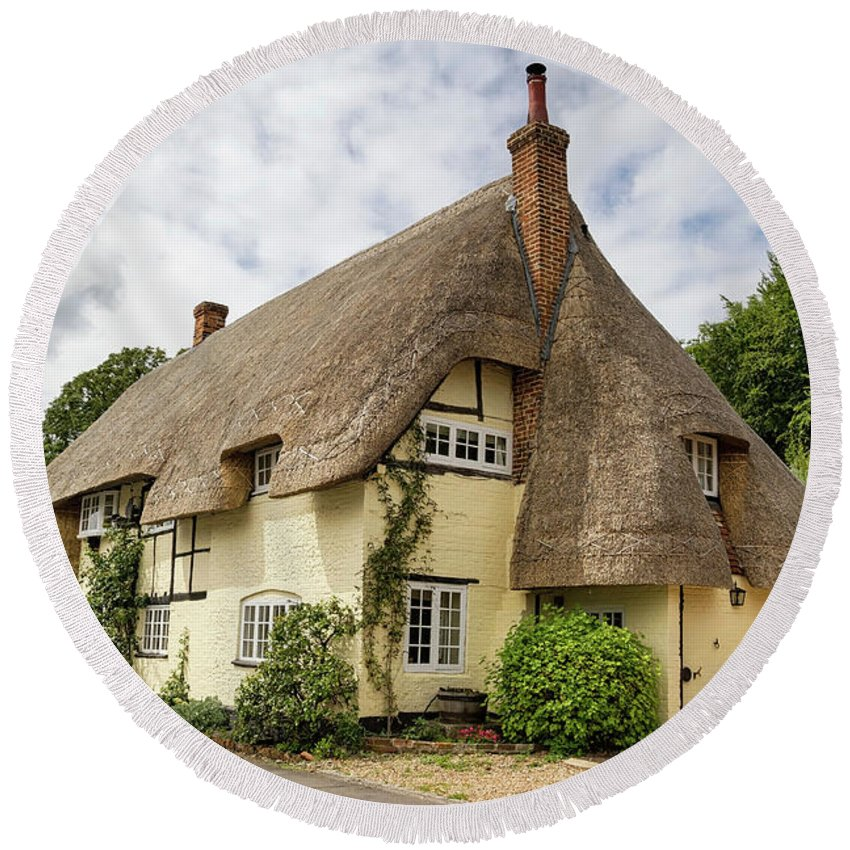 Cottage Round Beach Towel featuring the photograph Thatched Cottages Of Hampshire 18 by Shirley Mitchell