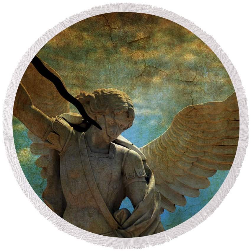 Angel Round Beach Towel featuring the photograph The Angel Of The Last Days by Susanne Van Hulst