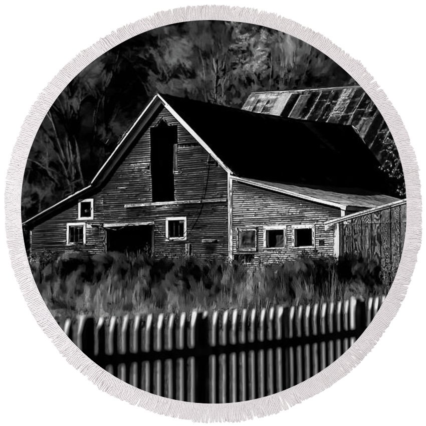 Barn Round Beach Towel featuring the photograph The Barn Bw by Mike Nellums