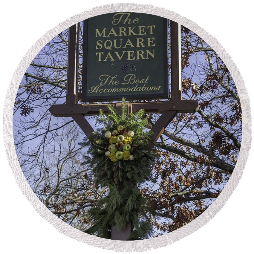 Colonial Williamsburg Round Beach Towel featuring the photograph The Best Accommodations by Teresa Mucha
