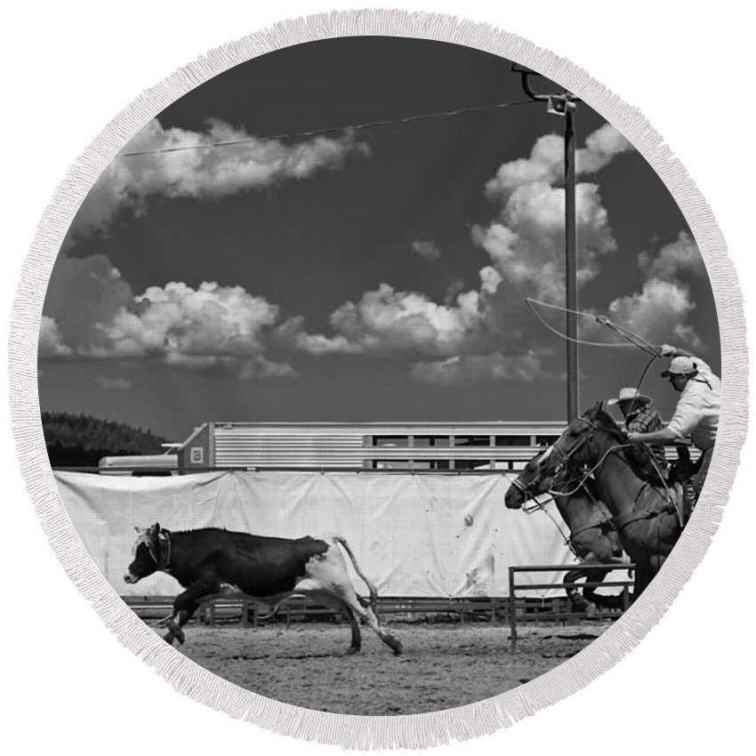 Calf Round Beach Towel featuring the photograph The Chase For Time by Scott Sawyer