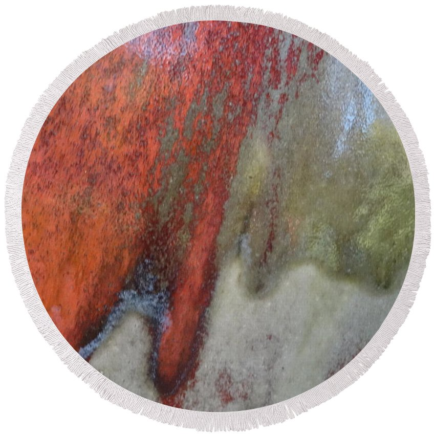 Abstract Round Beach Towel featuring the mixed media The Climb by Richard Laeton