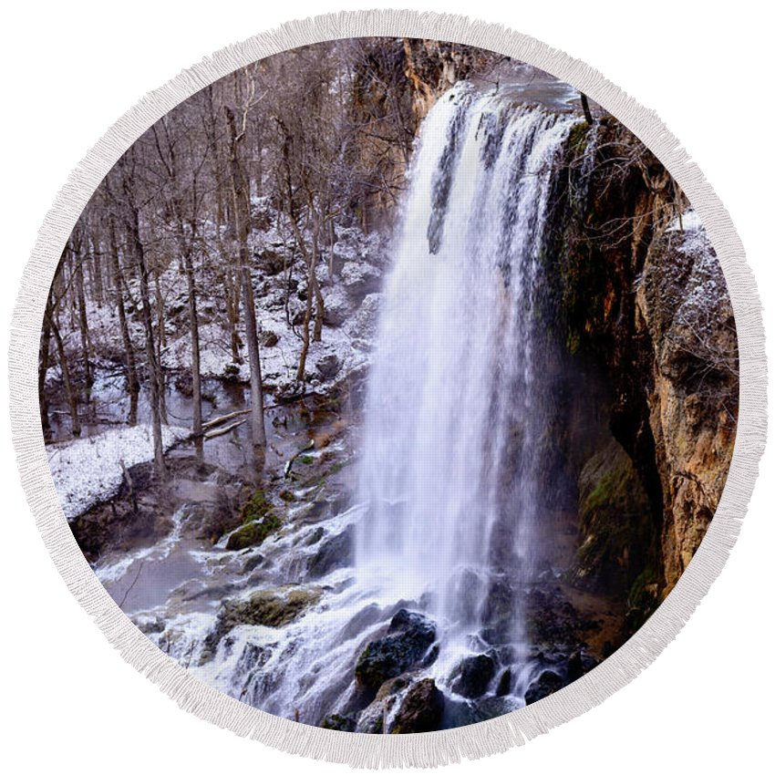 Falling Springs Falls Round Beach Towel featuring the photograph The Cold Morning by Michael Scott