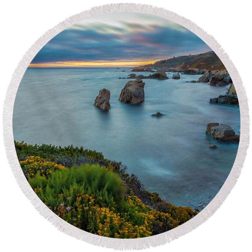 Landscape Round Beach Towel featuring the photograph The Colors Of Summer by Jonathan Nguyen