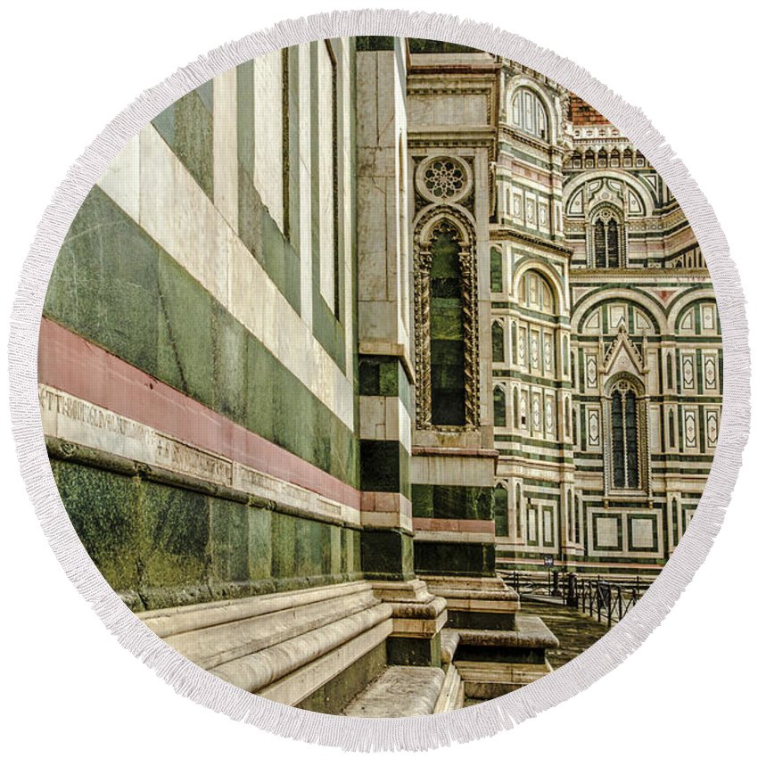 Florence Round Beach Towel featuring the photograph The Florence Cathedral by Wolfgang Stocker