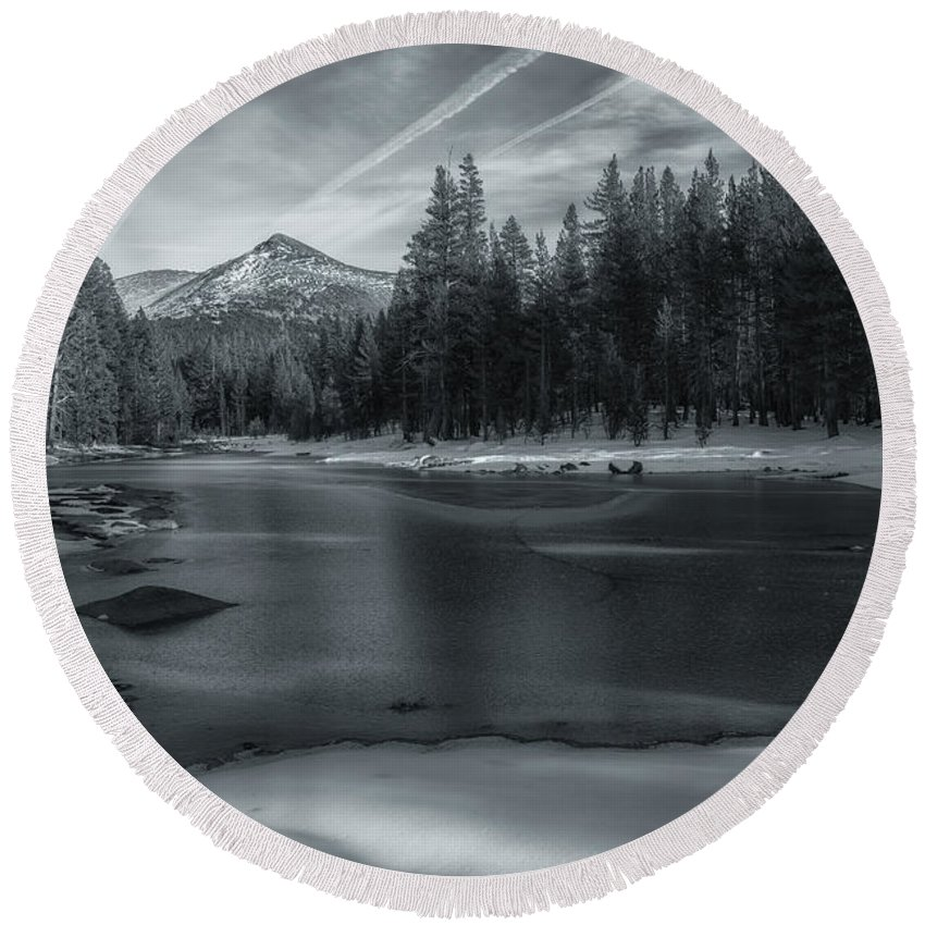 Landscape Round Beach Towel featuring the photograph The Frozen Pond by Jonathan Nguyen